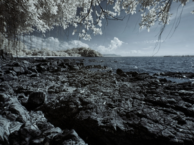 Pasir Panjang beach captured with B+W 092 dark red infrared filter.